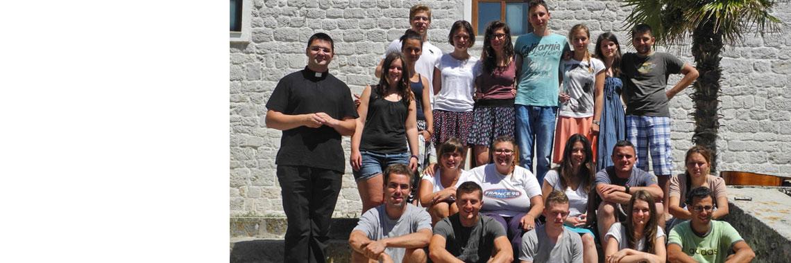Mladi župe sv. Blaža na otoku Prviću 2014.