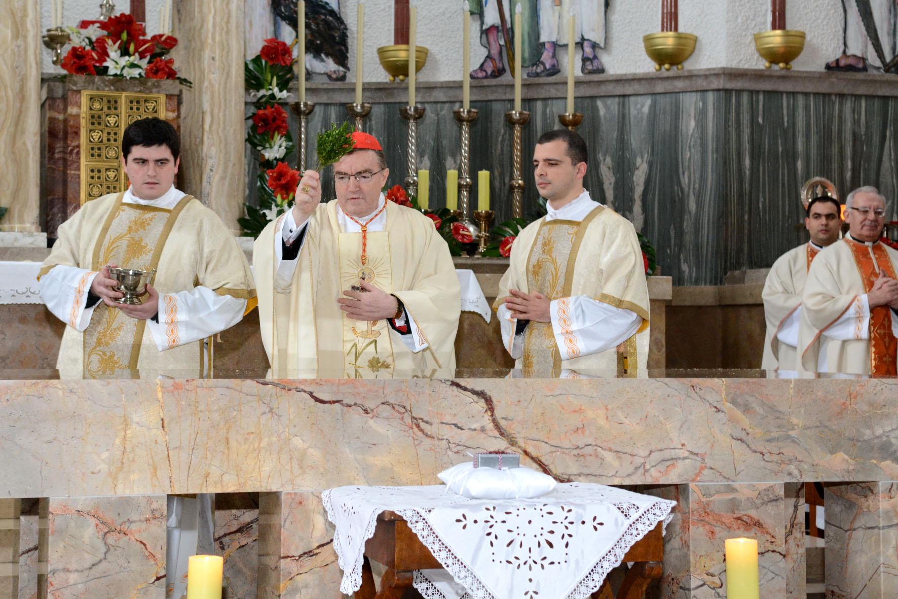 Posveta oltara u župi sv. Blaža 1. veljače 2015.